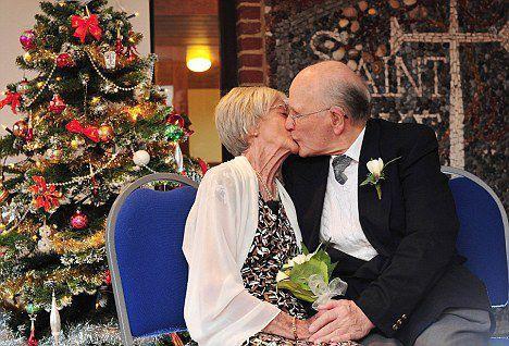 Foto: S-au căsătorit după 33 de ani de logodnă!