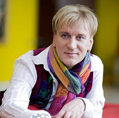 Foto: Serghei Penkin, cu o garderobă de  2000 de costume
