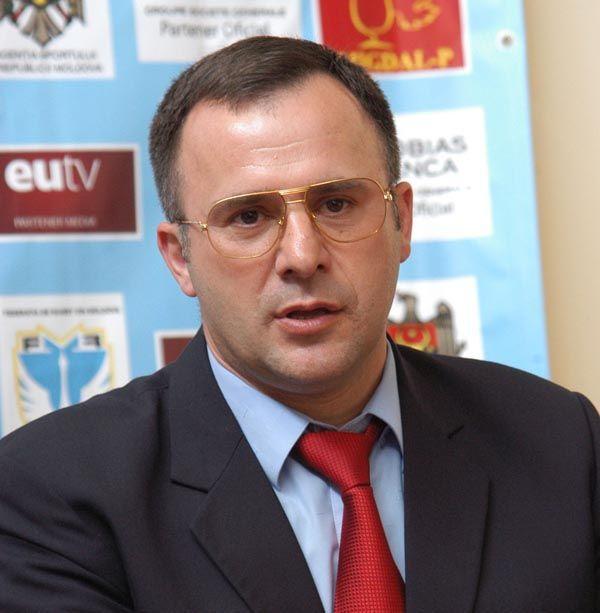 "Foto: Vasile Revenco: ""Educăm spiritul de echipă"""
