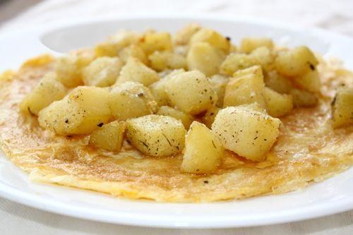 Foto: Cartofi cu mazăre pe omletă