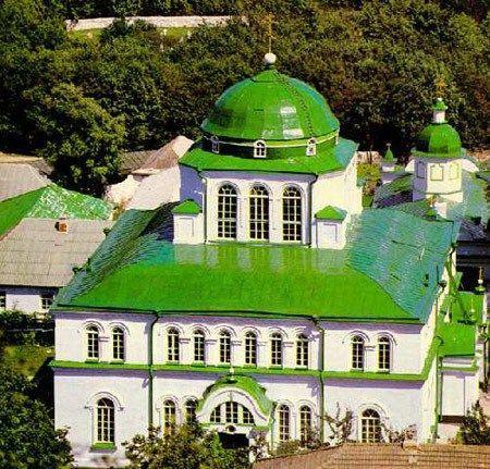 Pelerinaje pe colinele Moldovei