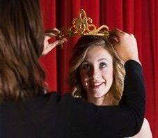 "Foto: Votează-ți favorita-Miss ""USMF"" – 2012"