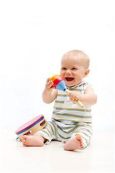 Foto: Dezvoltarea copilului în perioada 4 – 6 luni!