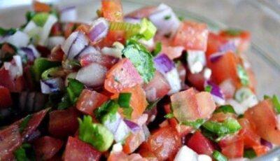 Salată picantă de roșii! O rețetă delicioasă