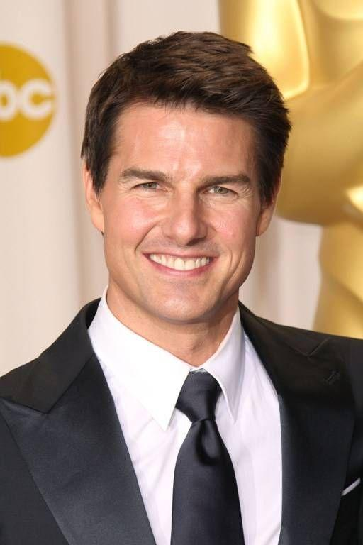 Secretul tenului impecabil al lui Tom Cruise? Foloseşte măşti cu GĂINAŢ!