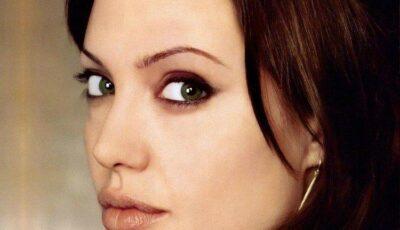 Transformarea şocantă a Angelinei Jolie! Intră să vezi faţa deformată a vedetei!