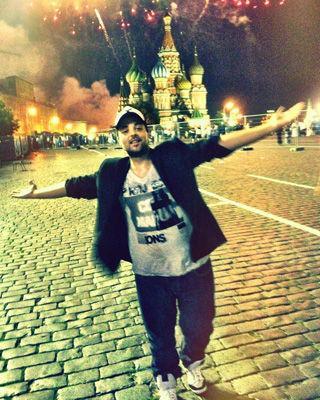 Foto: Tudor Ionescu (Fly Project), reţinut la o secţie de poliţie din Rusia! Află ce a păţit solistul!