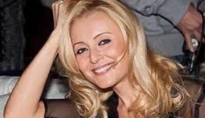 Angelica Varum- look nonconformist la 43 de ani!