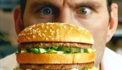 Cei care consumă des produse fast-food riscă mai mult să fie depresivi