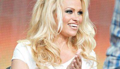 Pamela Anderson, plină de celulită!