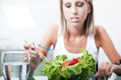 De ce mănânci când eşti stresată?
