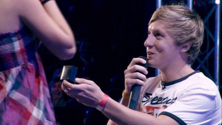 """""""Vrei să fii soția mea?"""" – direct pe scena «X-Factor România»"""