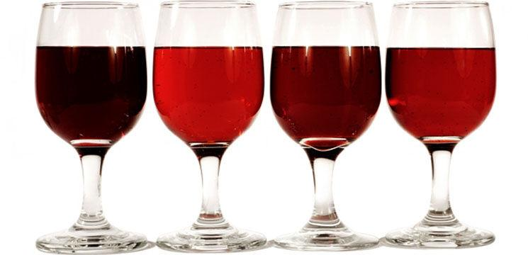 Controversa consumului de vin