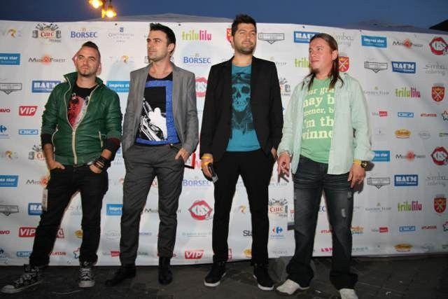 Iată ce au purtat vedetele pe covorul roșu de la Media Music Awards!