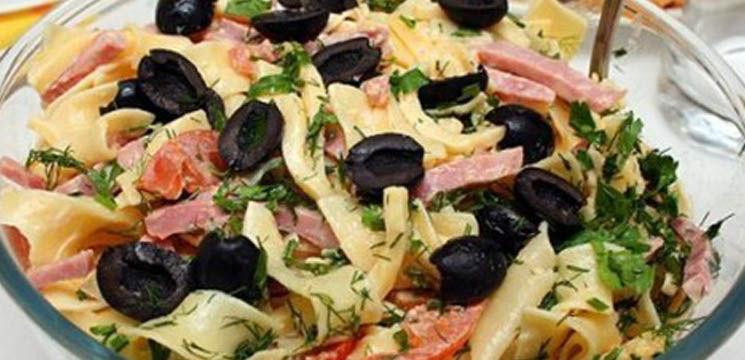 Salată italiană cu paste