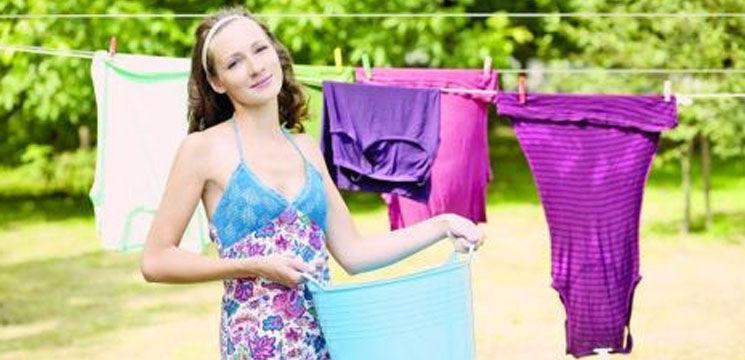 Îngrijeşte-ţi corect hainele din mătase şi satin!