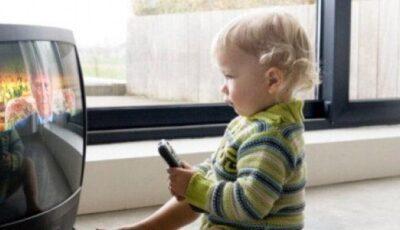 Este televizorul chiar atât de periculos pentru copii?