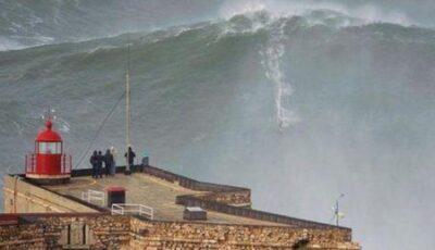 """Omul care a """"cucerit"""" valurile!"""