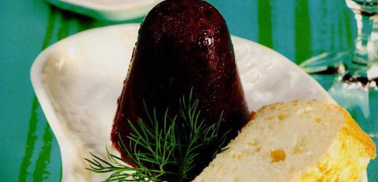 Foto: Piftiuţe de sfeclă roşie cu sos de smântână dulce