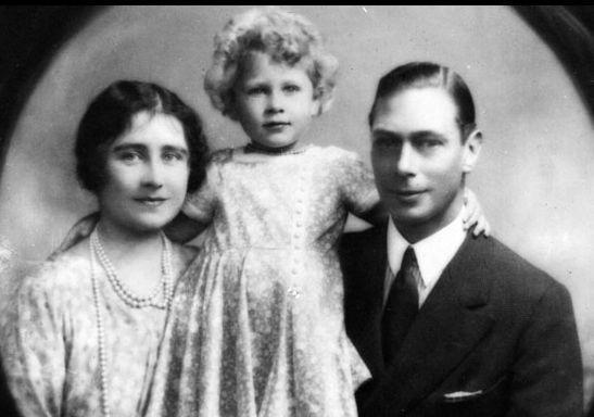 Foto: Viaţa reginei Marii Britanii în FOTOGRAFII