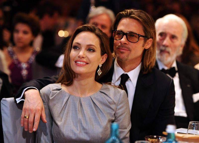 Foto: Angelina Jolie – piele şi os (Foto)