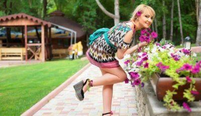 """Primăvara-i cântă """"La mulţi ani"""" Adrianei Ochişanu!"""
