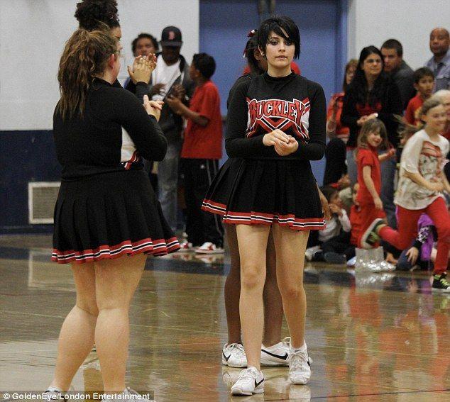Vezi cum a șocat fiica lui Michael Jackson în timpul unui meci de baschet!