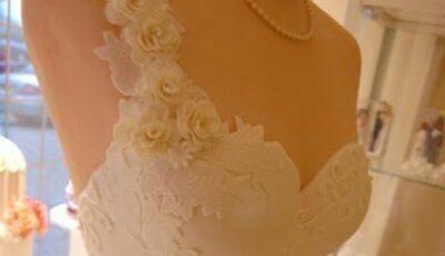 Cum arată rochia de mireasă cu aromă de vanilie și zmeură!
