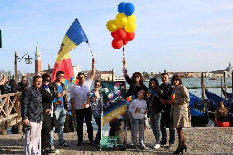 Foto: Moldovenii din 13 țări uniți prin tricolor