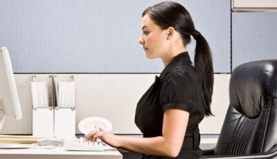 Stai mai mult de 3 ore în fața calculatorului? O metodă simplă de a-ți proteja ochii!
