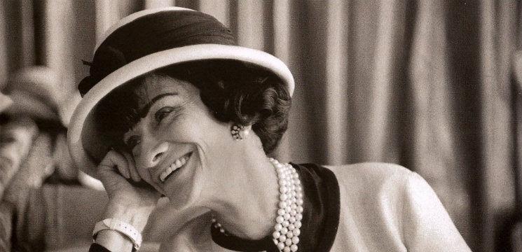 Coco Chanel – femeia care a dat o altă abordare modei!