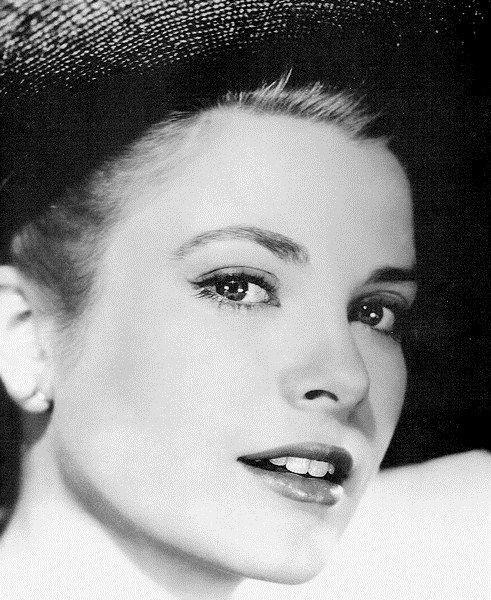 Grace Kelly – prințesa născută la Hollywood!