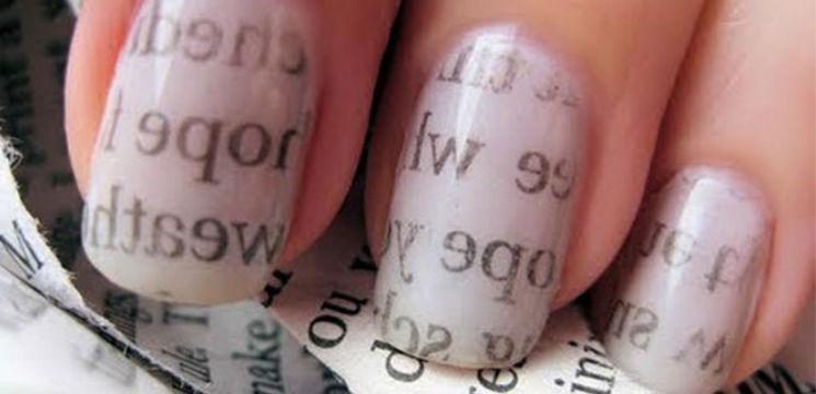 Fii originală! Fă-ți o manichiură cu imprimeu de ziar (tutorial foto/ video)