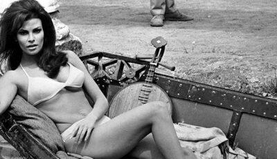 Vedeta care nu îmbătrânește: Raquel Welch- fabuloasă la 70 de ani!