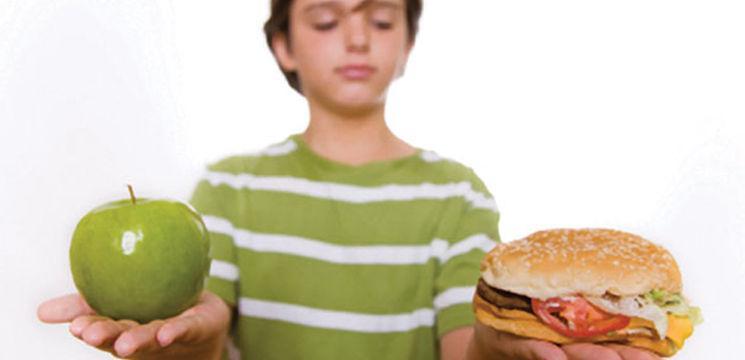 Nu oferi copilului mai mult de două gustări pe zi!