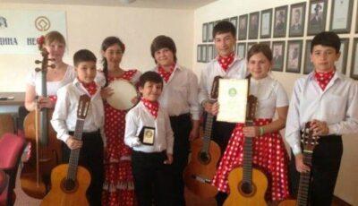 Copii Getei Burlacu într-o vacanță de succes