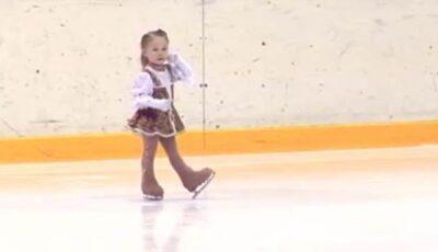 Are doar 2,5 ani și este cea mai tânără figuristă din lume! (video)