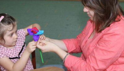 """Art-terapie pentru copii  – atelierul """"Emoțiilor colorate"""""""