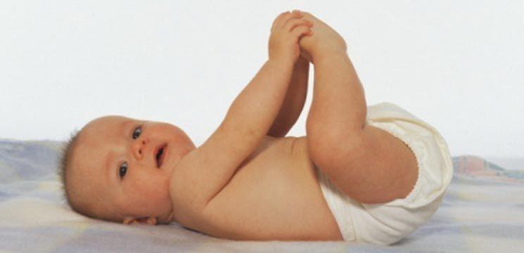 Foto: Mituri despre scutecele de unică folosință pentru bebeluși
