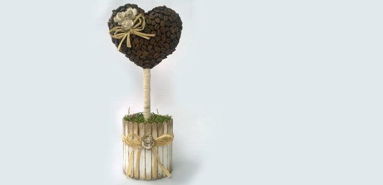 Realizează singură un pom din boabe de cafea!