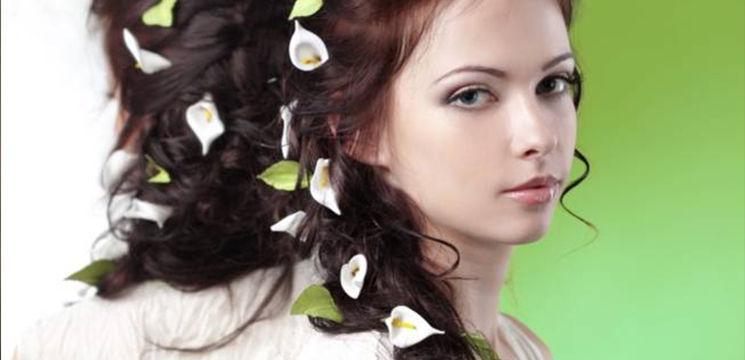 Coafură de mireasă cu flori!