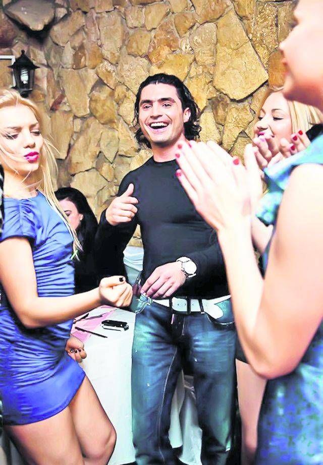 Pepe a luat 5.000 € ca să cânte pentru 500 de femei din Chișinău!
