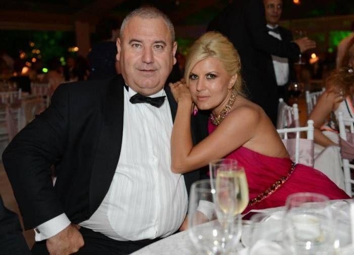 Cu ce-a rămas Elena Udrea după 10 ani de căsătorie cu Dorin Cocoş