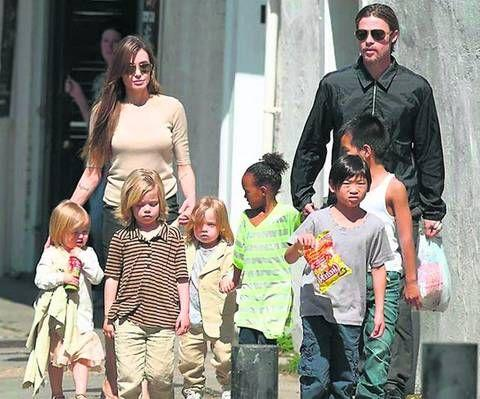 Șocant! Angelina şi Brad trăiesc ca nişte boschetari
