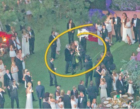 Tina Turner în rochie neagră la propria nuntă. Imagini de la eveniment