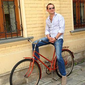 Foto: Konstantin Habenski și-a scos bicicleta la licitație