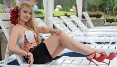 """Vezi câte kg a pus Adriana Ochișanu de la finalizarea proiectului """"Și vedetele slăbesc""""!  (FOTO)"""