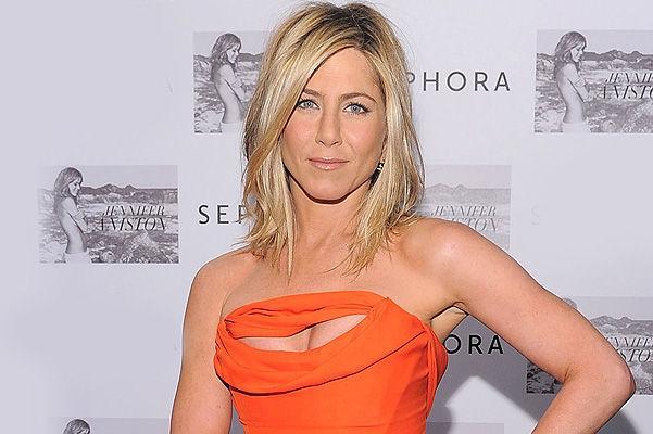 Cum îşi menţine silueta Jennifer Aniston?