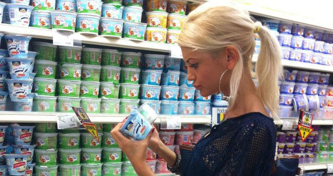 Flavia Apostol a stat 2 ore la magazin ca să cumpere mere!