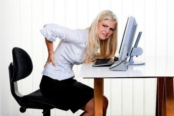 Foto: Munca de birou provoacă boli de rinichi